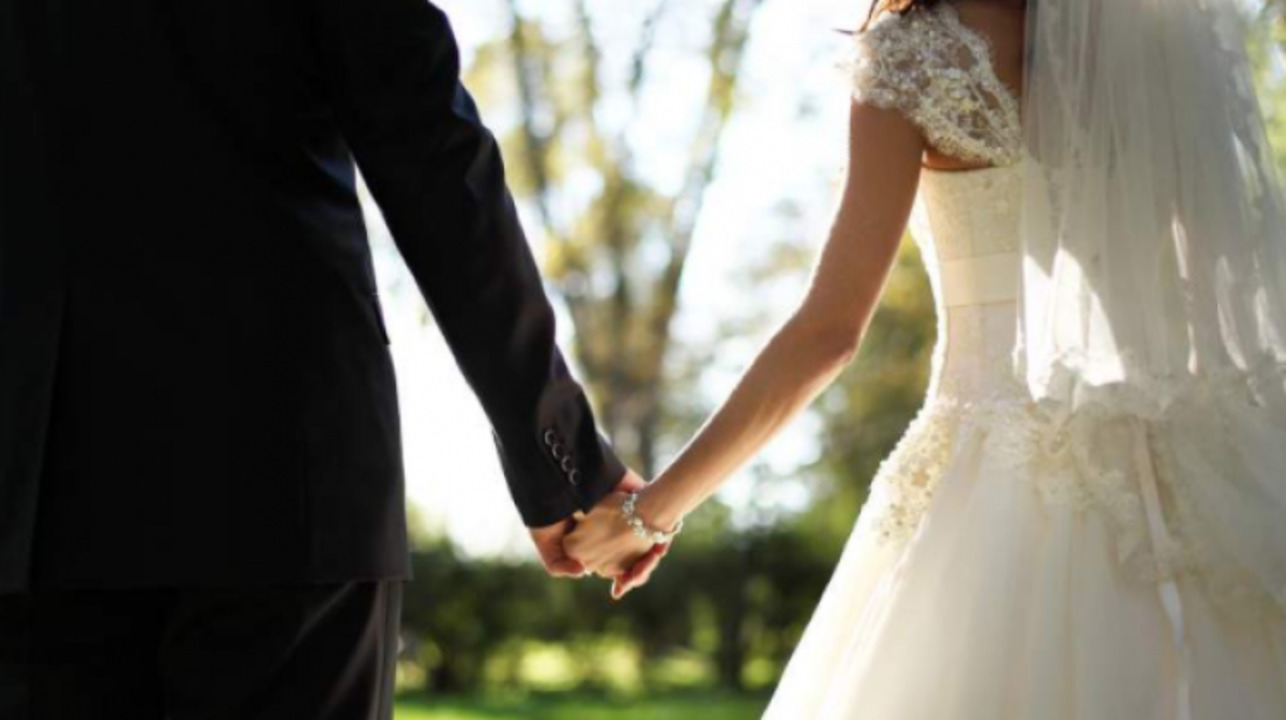 Rüyada Eşinizle Evlendiğini Görmek
