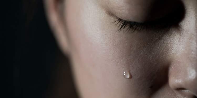 Rüyada Annenizin Ağladığını Görmek