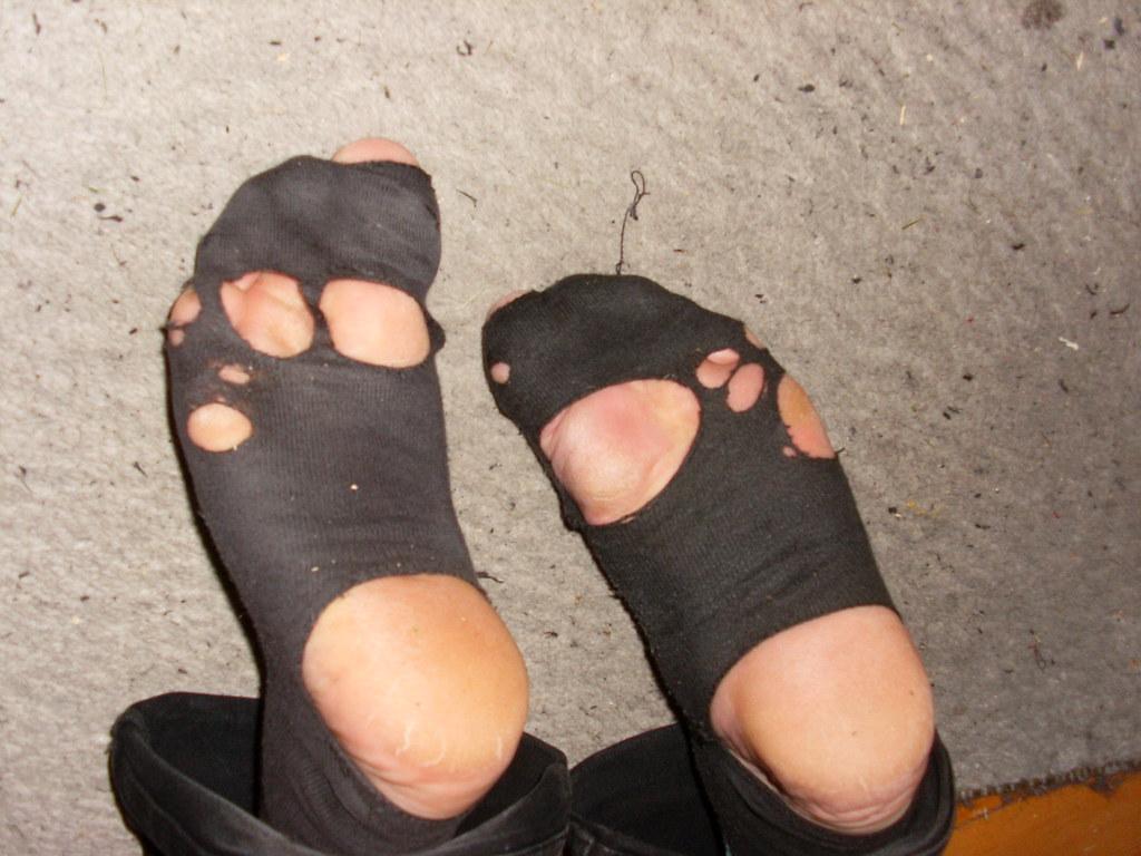 Rüyada Zorla Çorap Giydiğinizi Görmek
