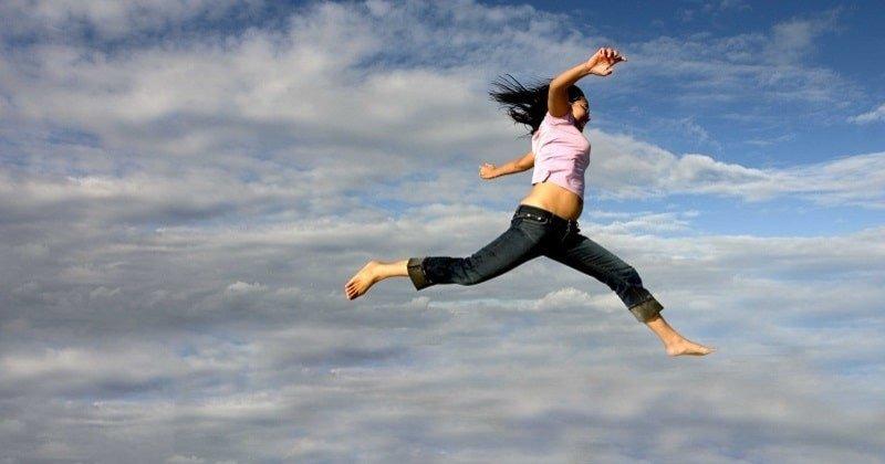 Rüyada Yüksekten Uçtuğunu Görmek